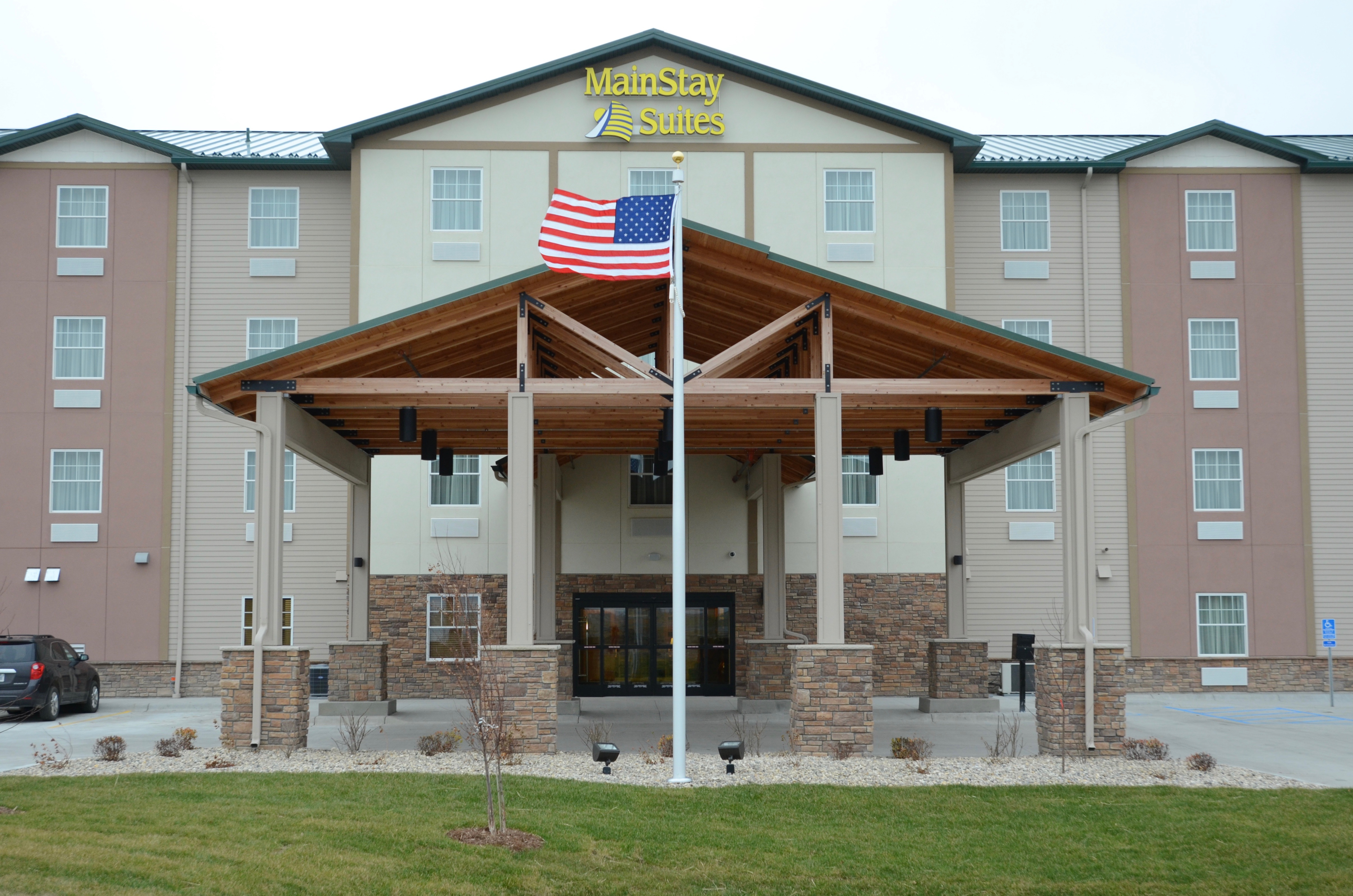 The Hotel Also Offers A Fitness Center And Market For Snacks Is Located On Hwy 2 Between Cashwise Ko